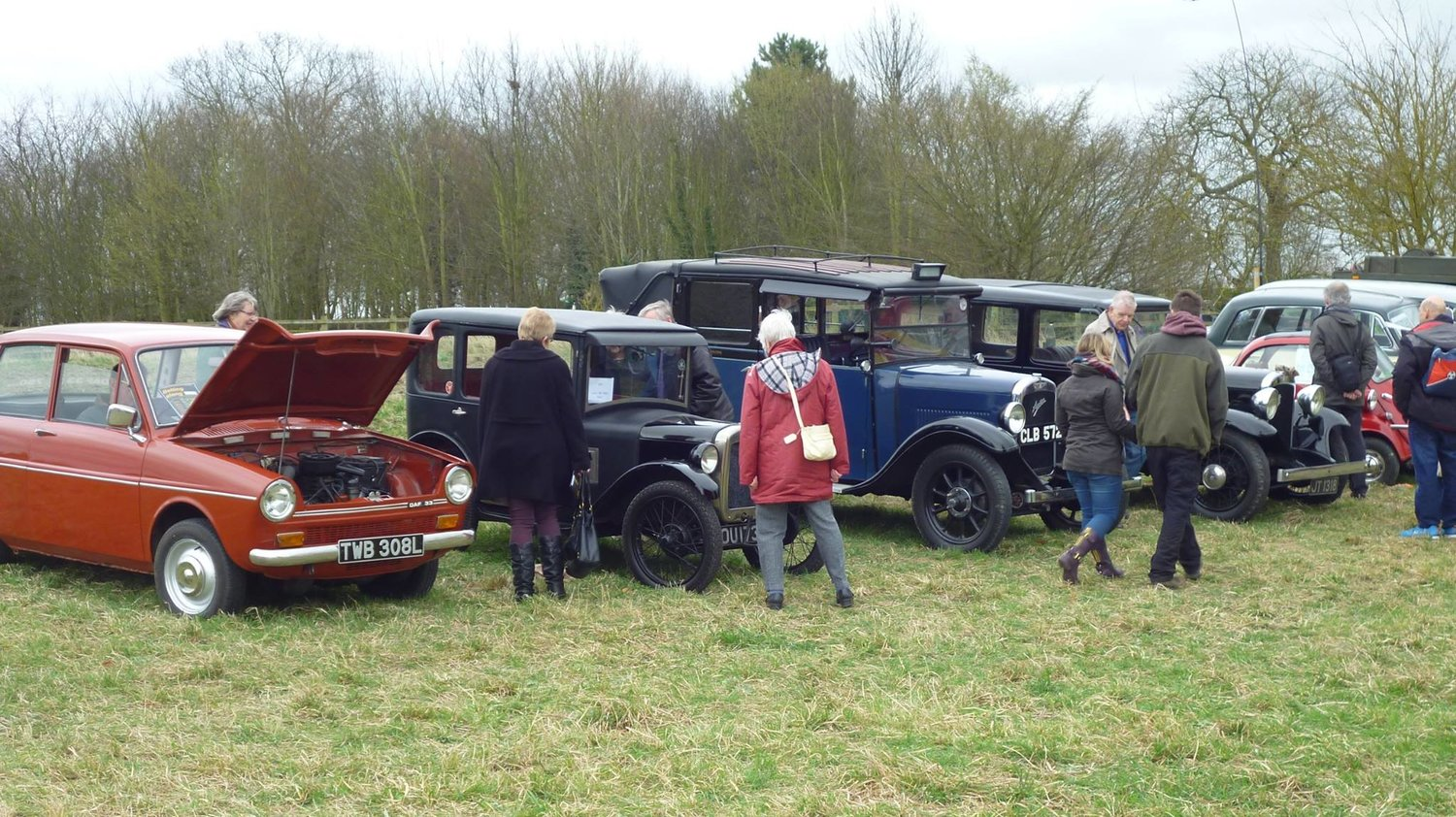 Classic Cars, Vintage Tractors & Steam Engines