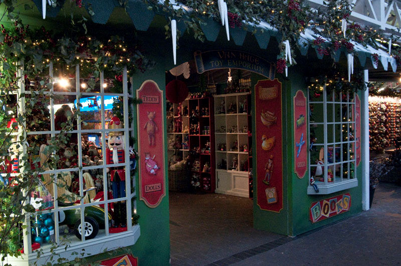 van hages extensive garden centre has over 1000 sq meters of shopping space a miniature railway a fully licensed free animal garden and during the - The Christmas Shop