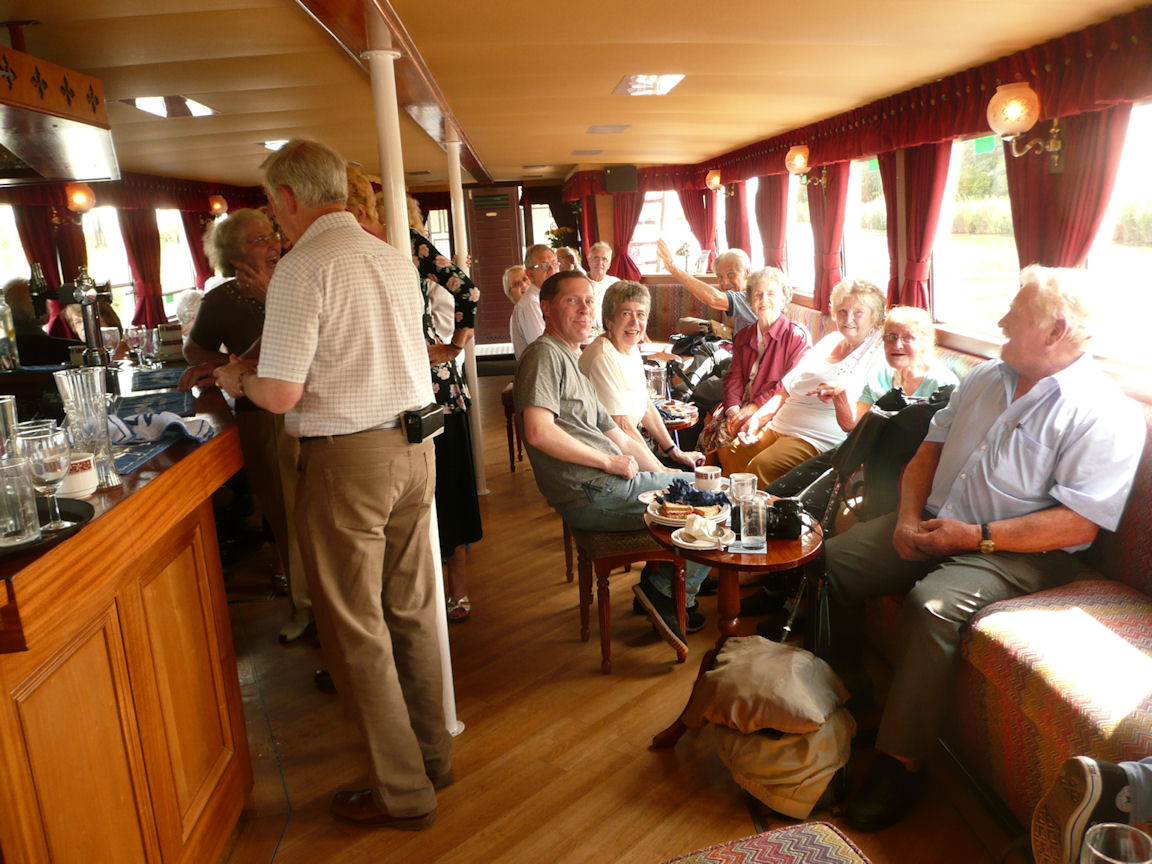 The lower deck & Bar area